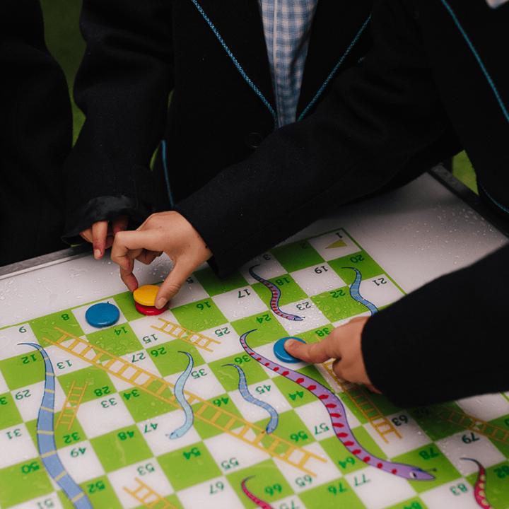 Gametop Picnic Table