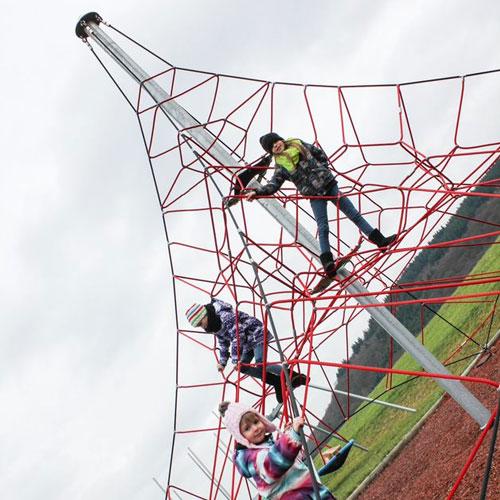 Spider Pyramid 6-4 Rope Climber